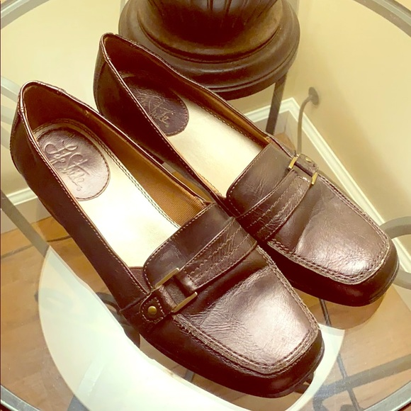 Life stride brown loafers. 8-1/2W